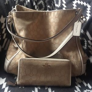Coach purse pocketbook with matching wallet